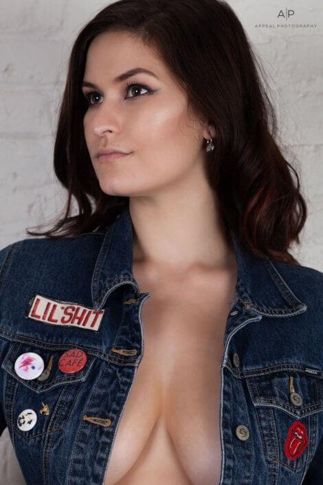 Julia Annette